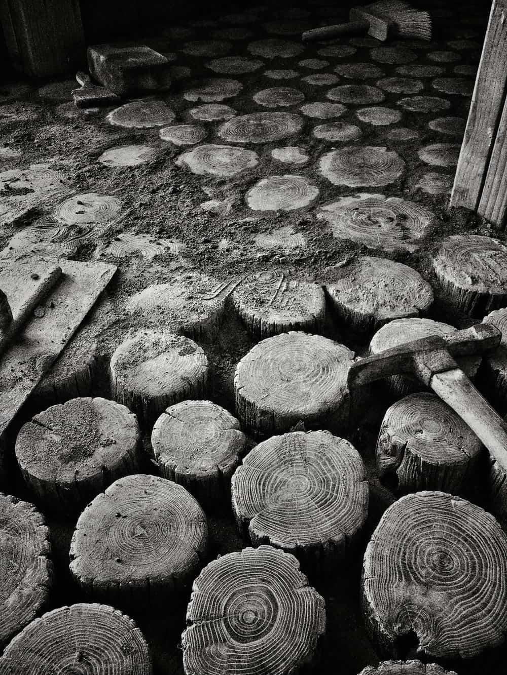 Medžio rastelių grindys procesas