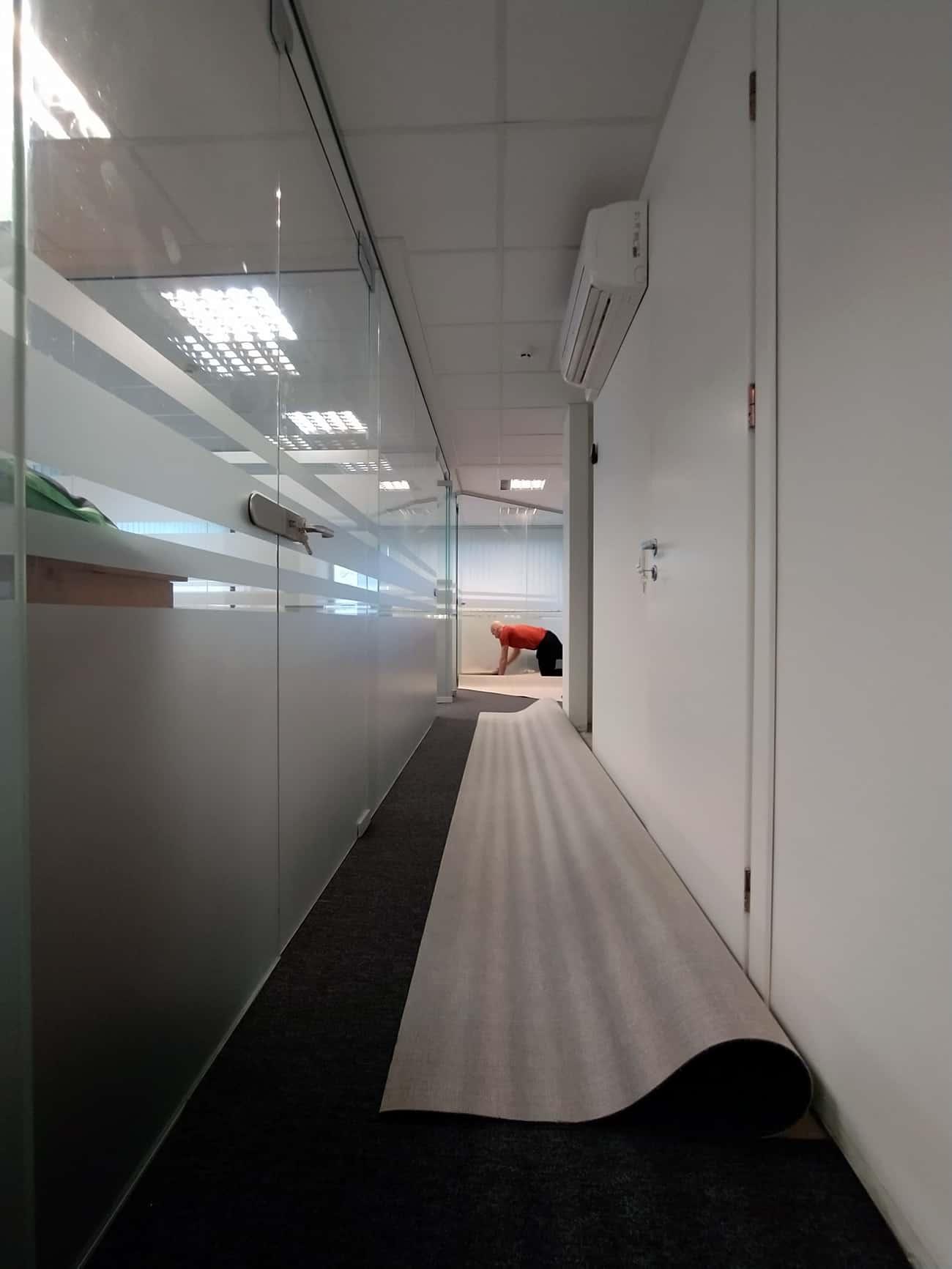 Dangos klojimas koridoriuje